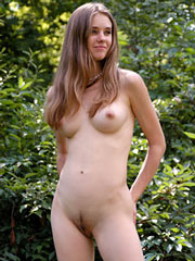 Que any gallery nudist